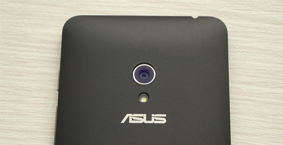 Объектив камеры Asus Zenfone 5